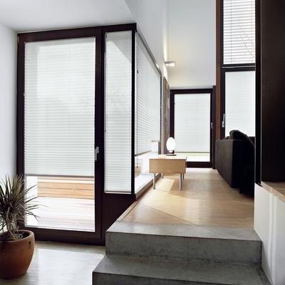 plissee im wohnbereich guten morgen heiterkeit ein tag der in sonnenwarmen farben beginnt. Black Bedroom Furniture Sets. Home Design Ideas
